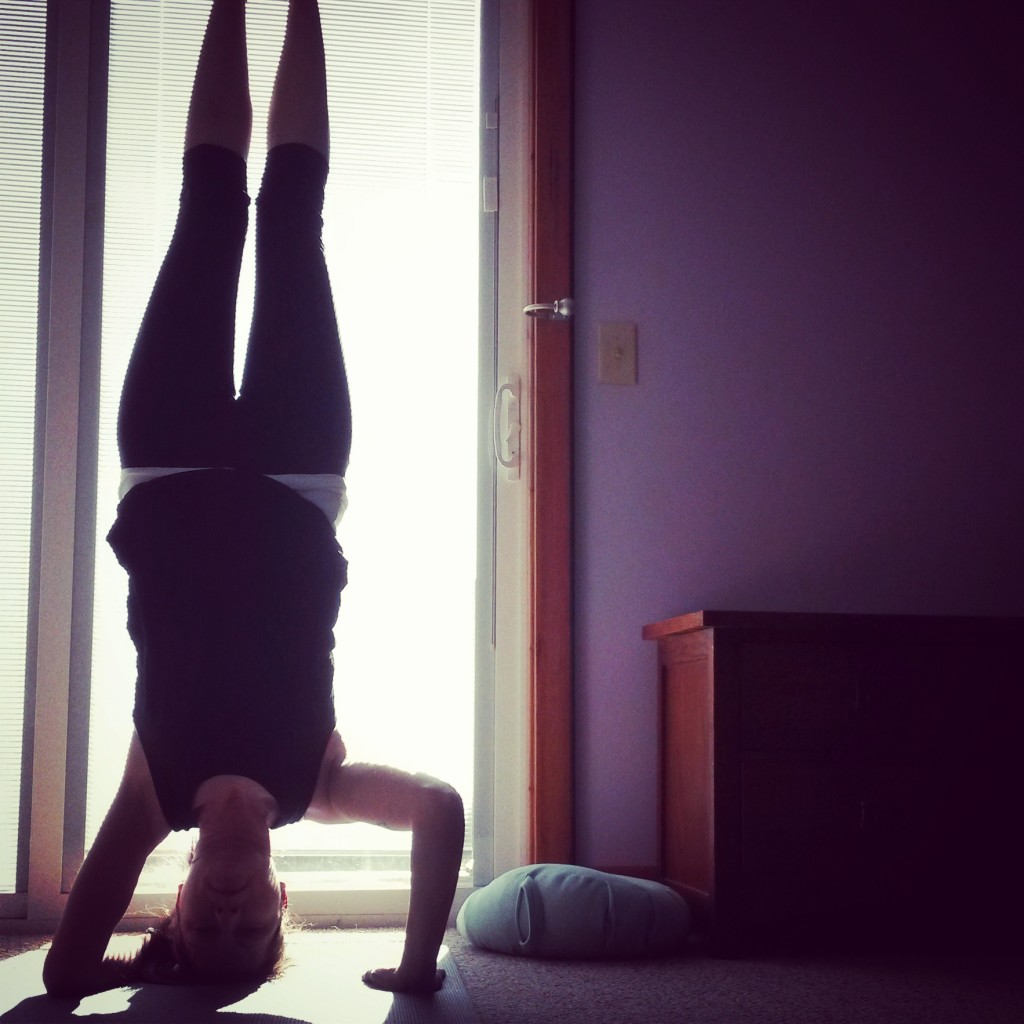 Headstand funky arm variation