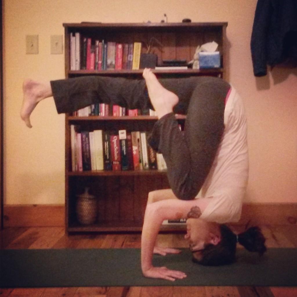 Tripod headstand pike variation